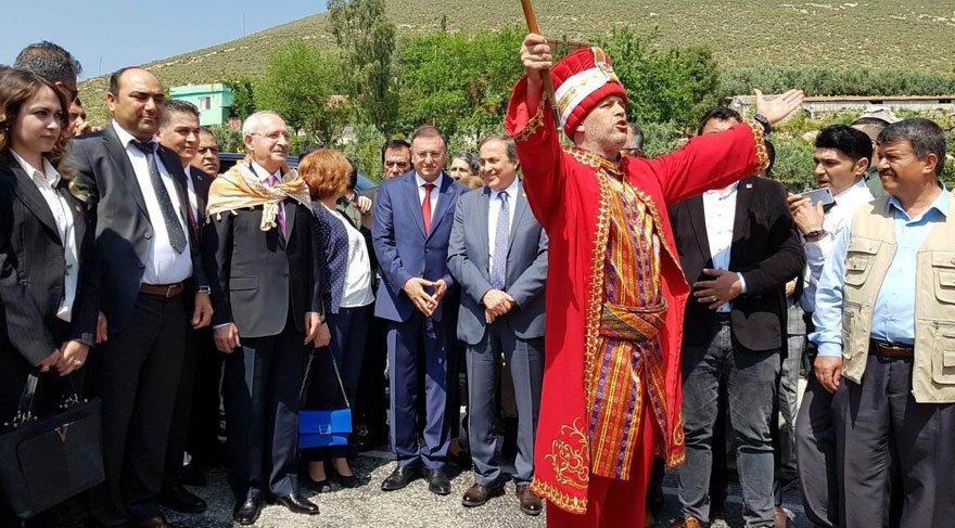 FOTO: Saygı Öztürk/SÖZCÜ - Kılıçdaroğlu'nu Hatay'da Hatay Büyükşehir Belediyesinin mehter takımı karşıladı.