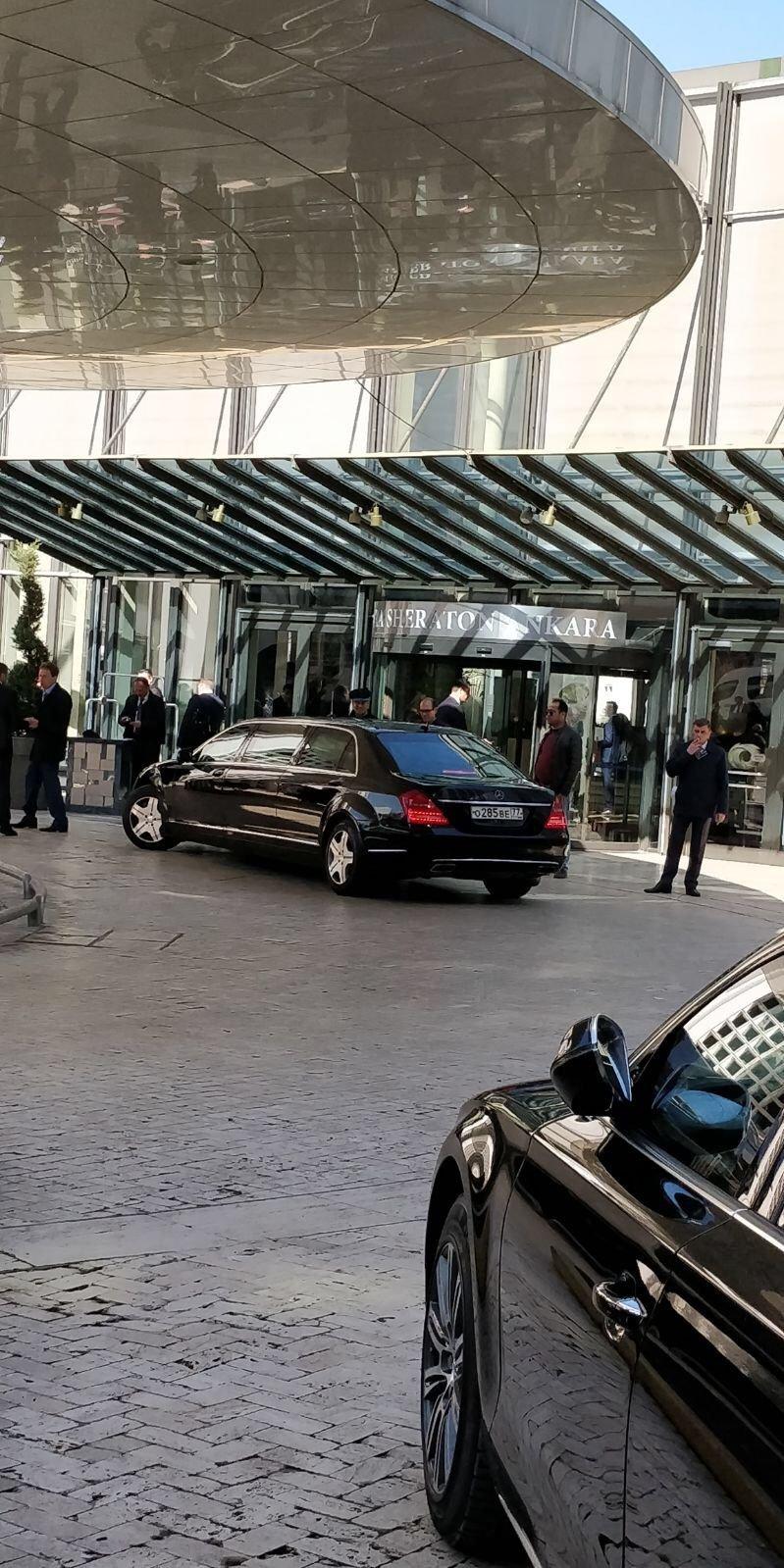 Geçen ay yapılan seçimlerin hemen ardından ilk resmi ziyaretini Türkiye'de gerçekleştiren Putin Ankara'daki Sheraton Otel'de kaldı.