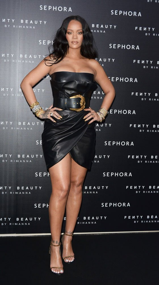 rihanna-splash-news2