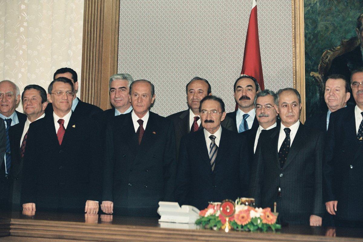 FOTO:depophotos - 3 Kasım 2002 seçimi dönemin koalisyon partilerini Meclis dışına atmıştı...