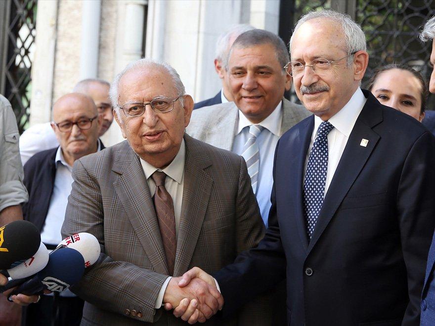 Cindoruk, CHP lideri Kemal Kılıçdaroğlu ile birlikte...