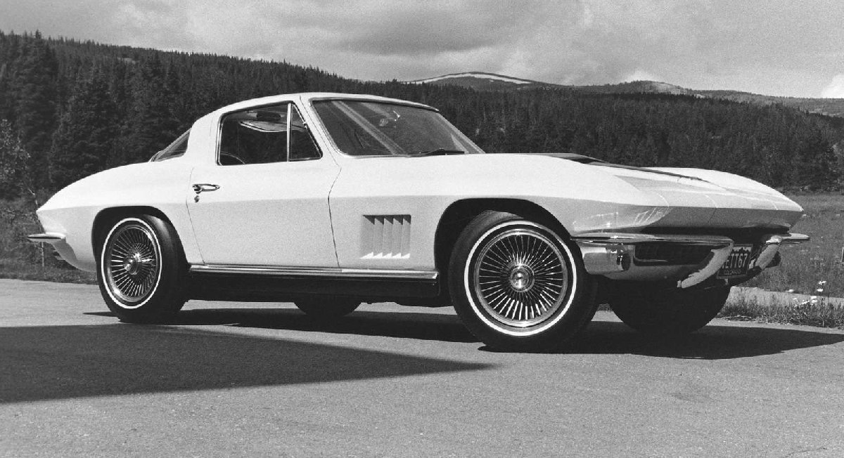 1-chevrolet-corvette_c2-1963-1600-01-kopya