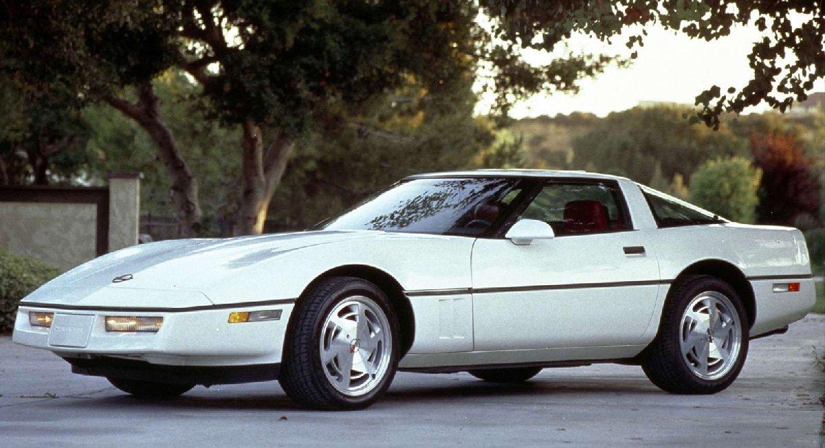 7-chevrolet-corvette_c4-1983-1600-03-kopya