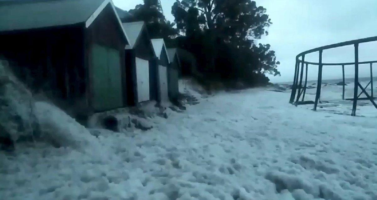 Avustralya'da sel felaketi yaşamı olumsuz etkiledi.