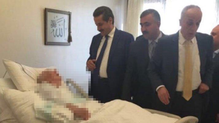 AKP'li Çelik Twitter ölüm döşeğindeki arkadaşının fotoğrafını yayınladı!