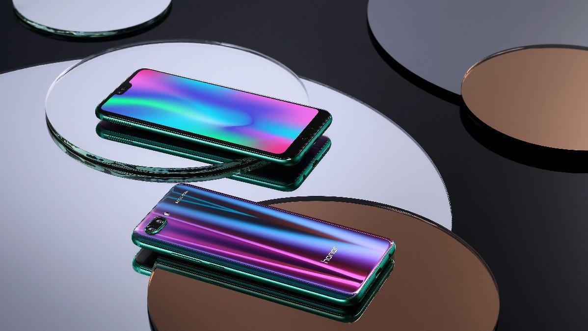 Kuzey ışıklı telefon Honor 10 tanıtıldı