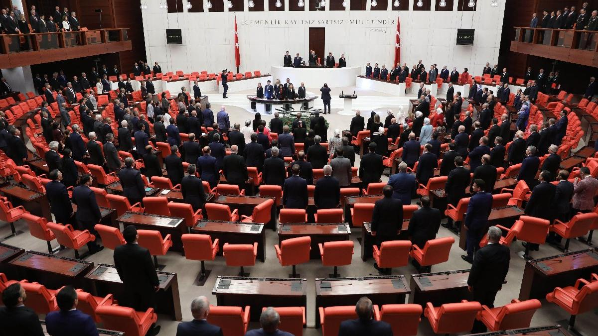 Son dakika... AKP'de aday olmayacak isimler belli oldu