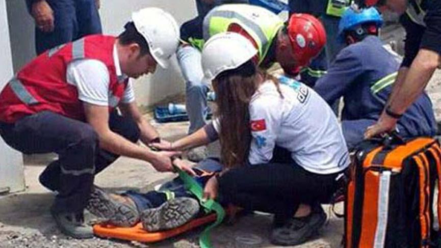 İzmir'de 148 işçi yemekten zehirlendi!