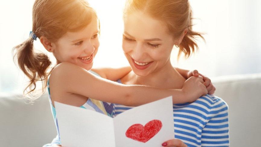 2018 yılına özel yepyeni, farklı Anneler Günü resimli mesajları
