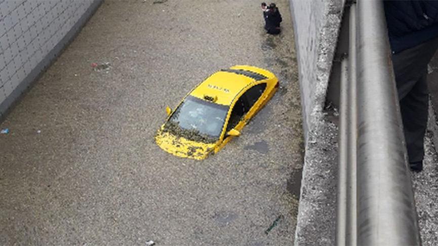 Meteoroloji uyardı! Ankara şiddetli yağış sonrası sele teslim oldu