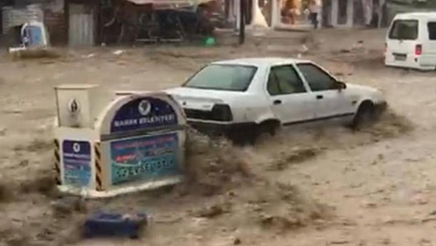 Meteoroloji Ankara'da 3 saatlik kuvvetli yağış uyarısı yaptı