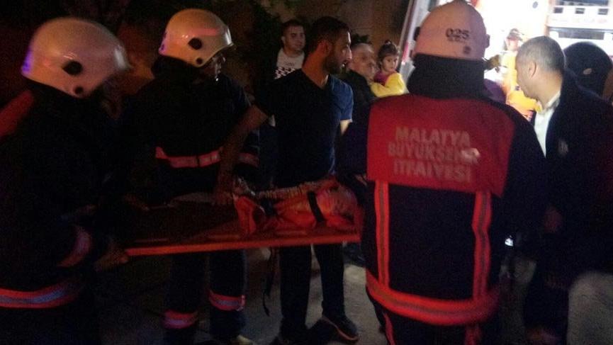Malatya'da 7 kişinin bindiği asansör zemine çakıldı