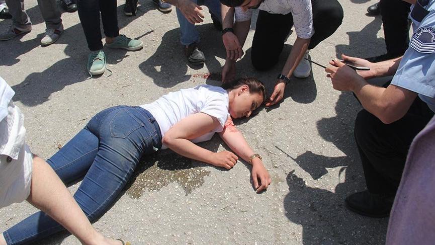 Adana'da gezmek için 5 liraya at kiralayan genç kız ağır yaralandı