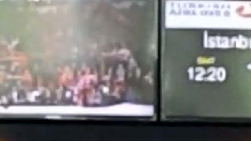 Havalimanında ekrandan AKP mitingi!