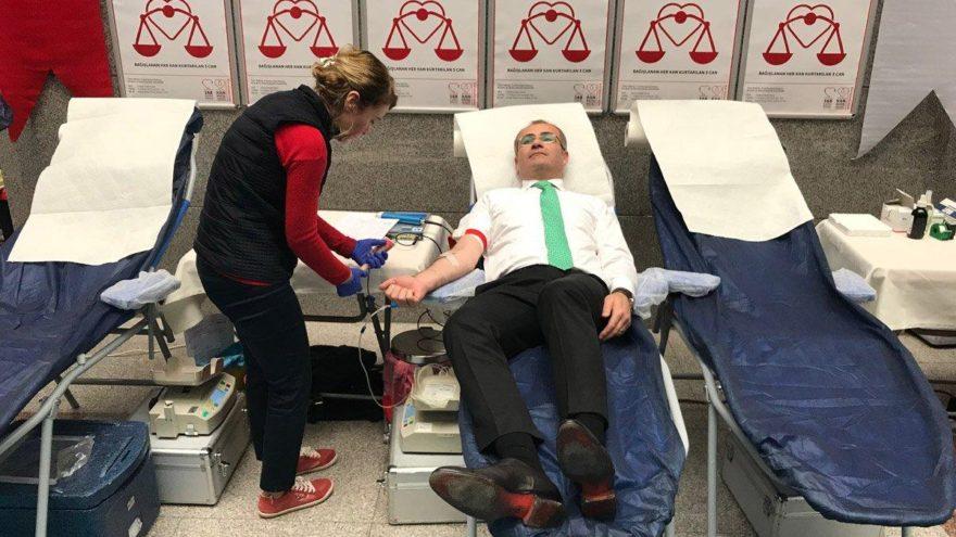 İstanbul Cumhuriyet Başsavcı İrfan Fidan Kızılay'a kan bağışı yaptı