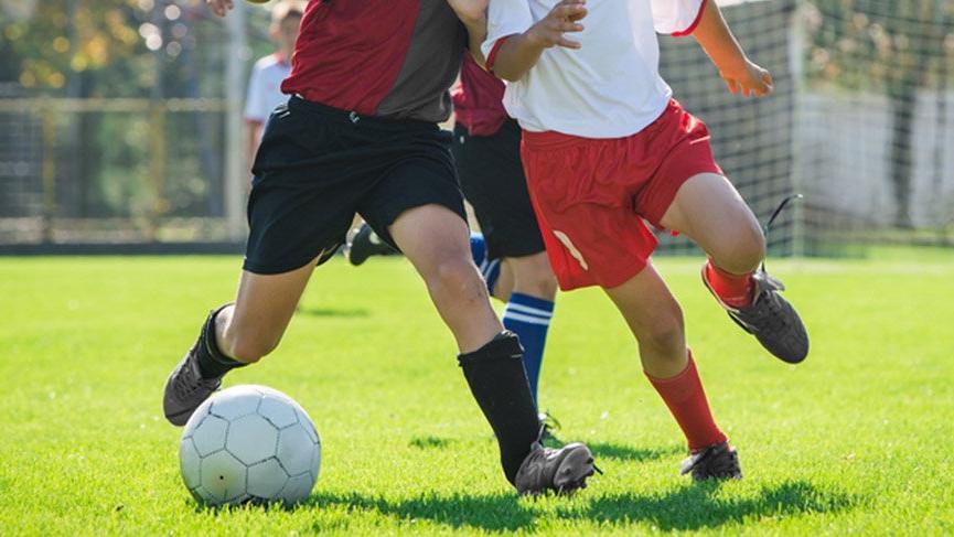Kalp krizi geçiren 13 yaşındaki amatör futbolcu öldü