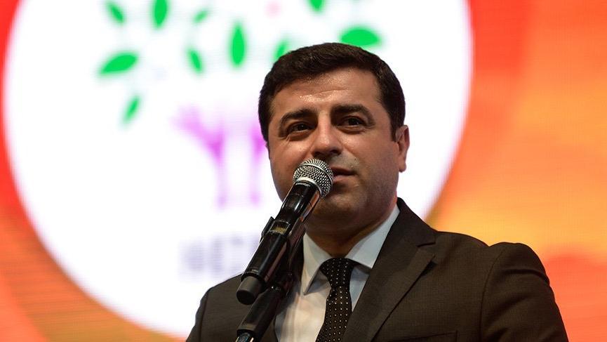 Demirtaş: AKP çöküyor ve dağılıyor