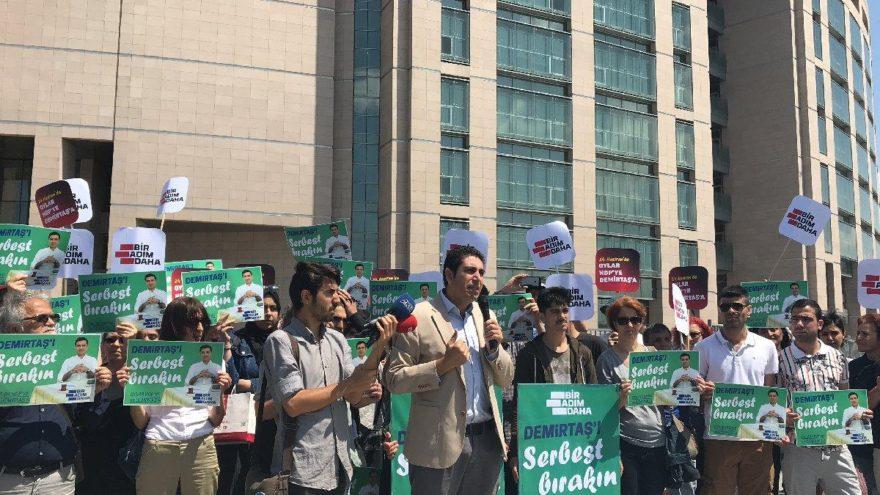 Adliye önünde 'Demirtaş serbest bırakılsın' eylemi
