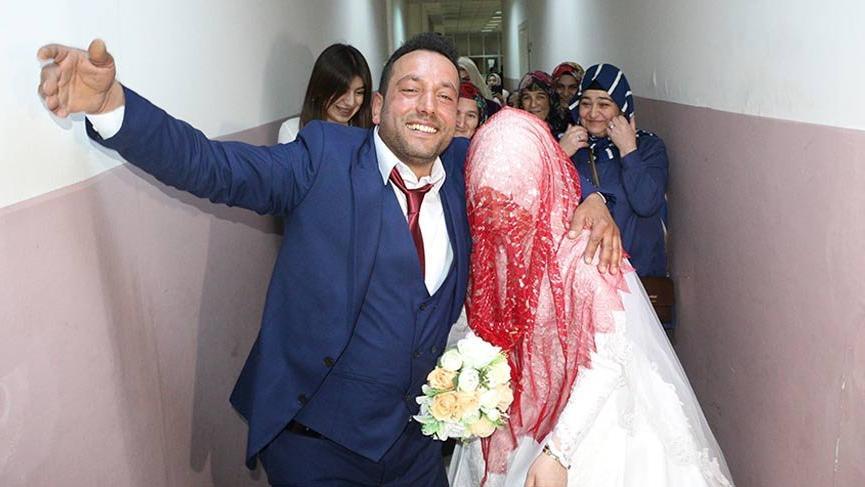 Kaçarak evlendi 13 yıl sonra düğün yaptı!