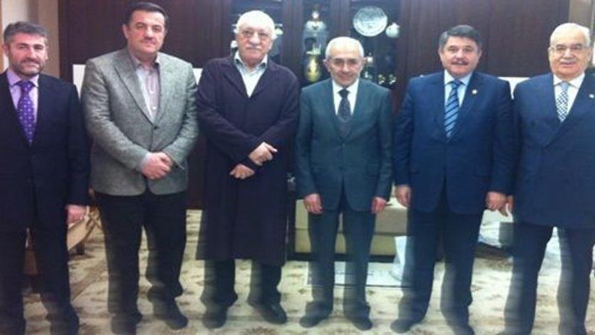 Fethullah Gülen'li fotoğrafa AKP'den savunma: Kimsin diye soracak halimiz yok