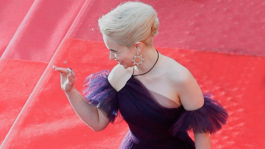 Emilia Clarke'ın 250 beklediği Cannes kıyafeti