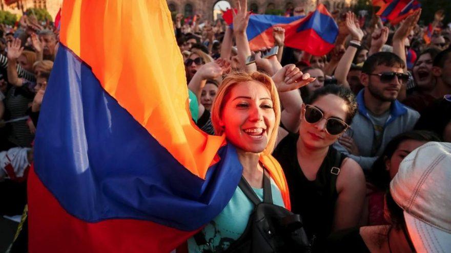 Ermenistan'da gösterilere ara verildi
