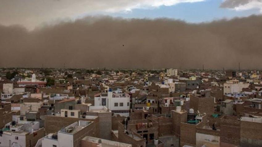 Hindistan'da kum fırtınası: En az 150 kişi öldü