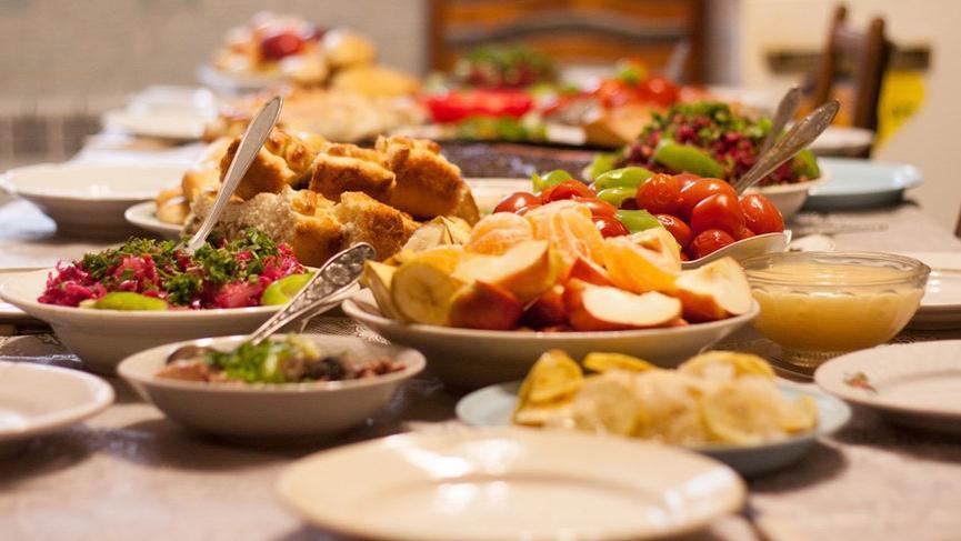 İftar menüleri: İftar sofralarına uygun lezzetli menü ve tarifler…