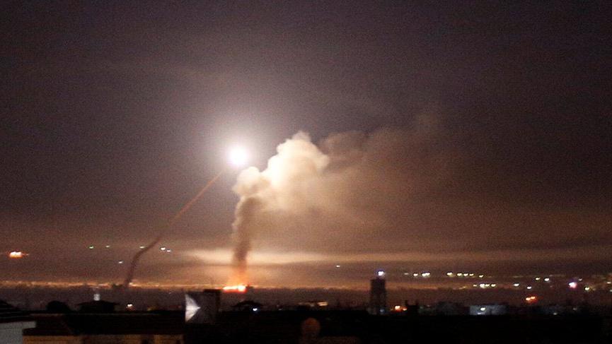 Son dakika gelişmesi... İsrail Suriye'yi vurdu!