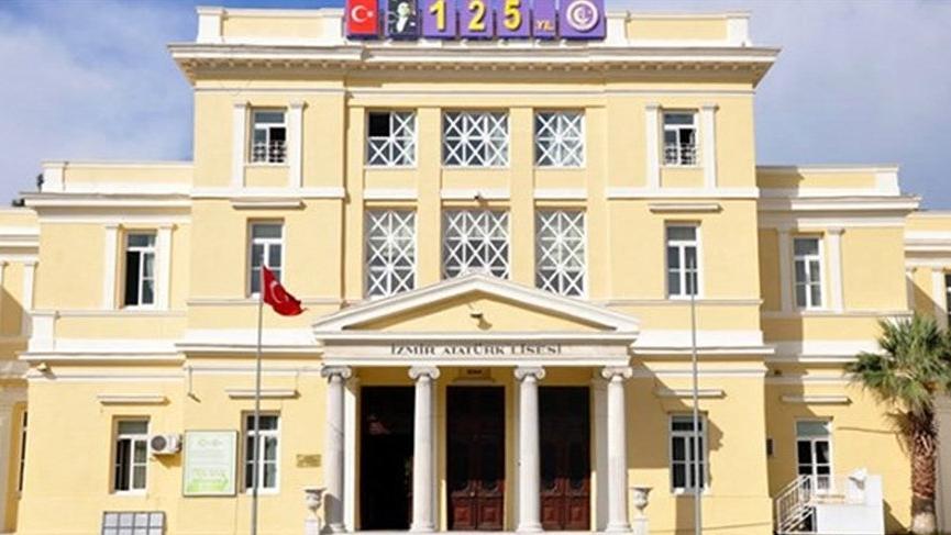 İzmir Marşı'nı yasaklayan müdüre tepki
