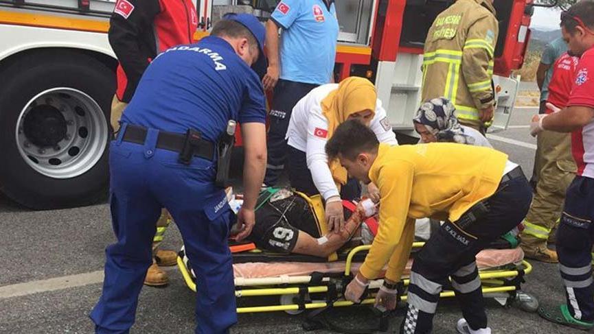 TIR'ın dorsesine çarpan otomobil sürücüsü öldü