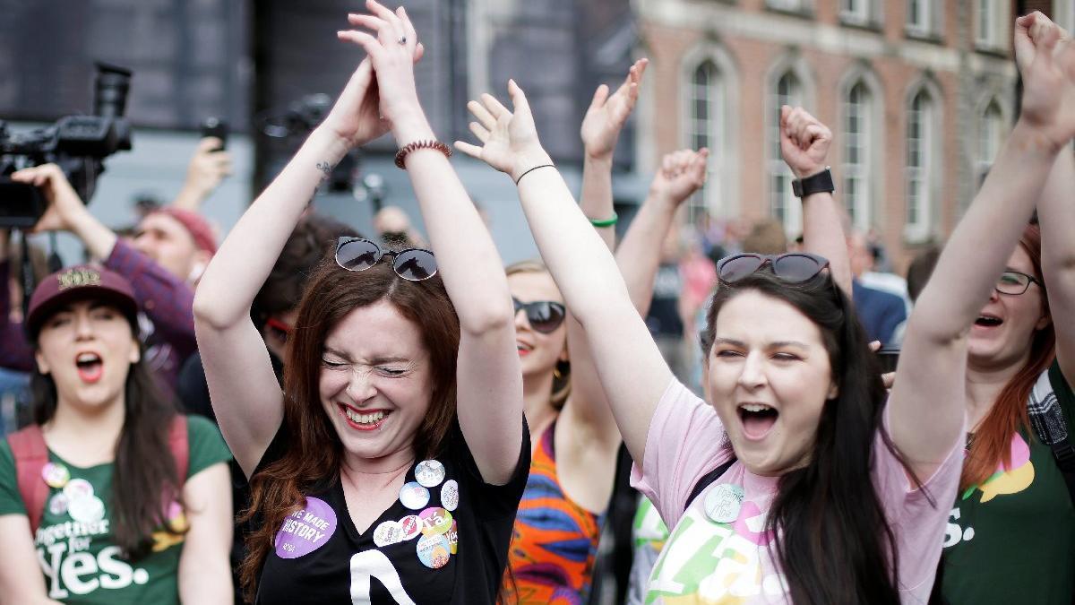 İrlanda'da kürtaj yasağı referandumu: Ezici çoğunlukla 'Evet'