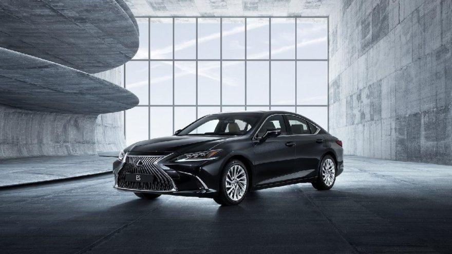 Hem sportif hem lüks : Lexus ES
