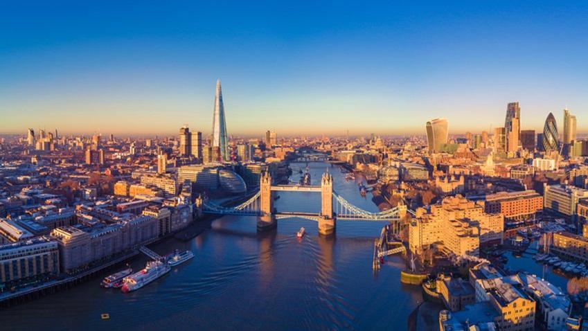 Ekonomi yetkilileri de Londra'ya gidiyor