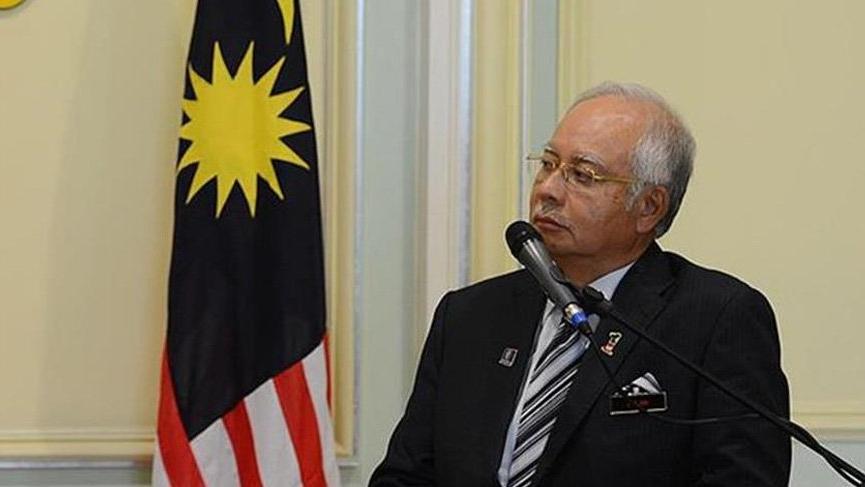 Malezya'da sular durulmuyor