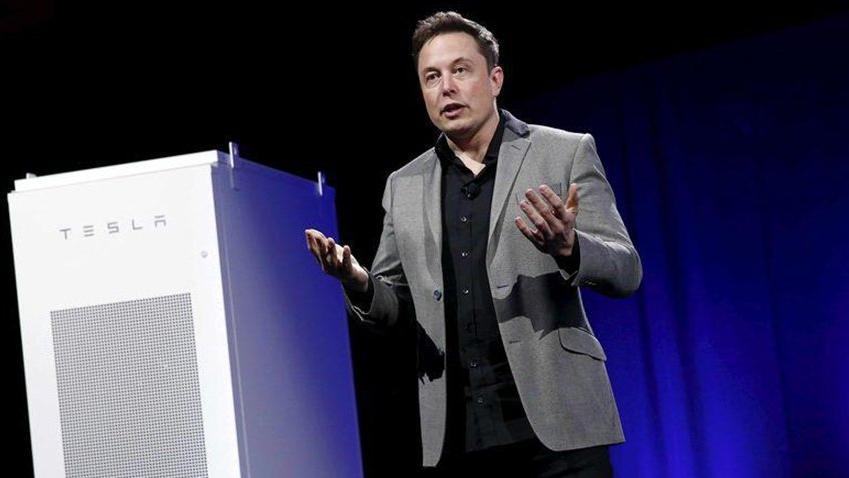 Elon Musk'ın şirketi Tesla'dan 710 milyon dolarlık rekor zarar