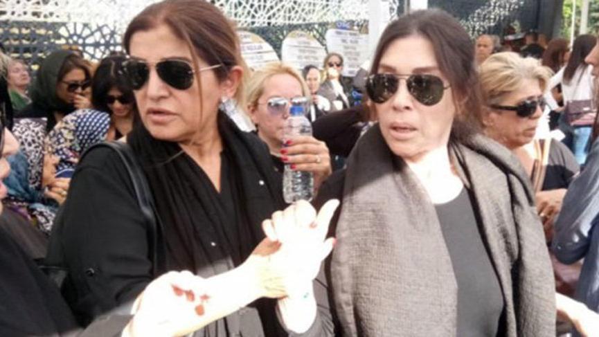 Nebahat Çehre, annesi Müzeyyen Hanımı sonsuzluğa uğurladı