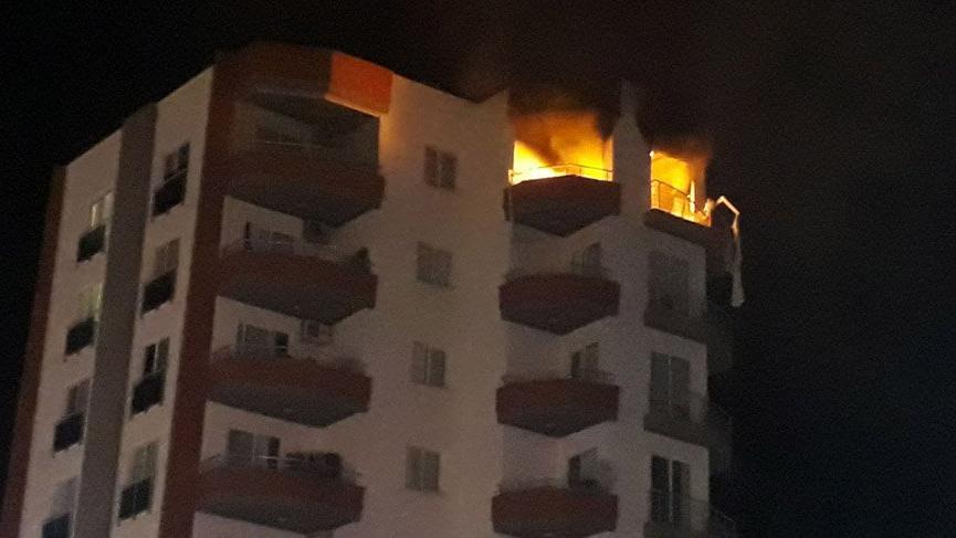 Mersin'de bir apartmanda korkutan patlama: 1 yaralı