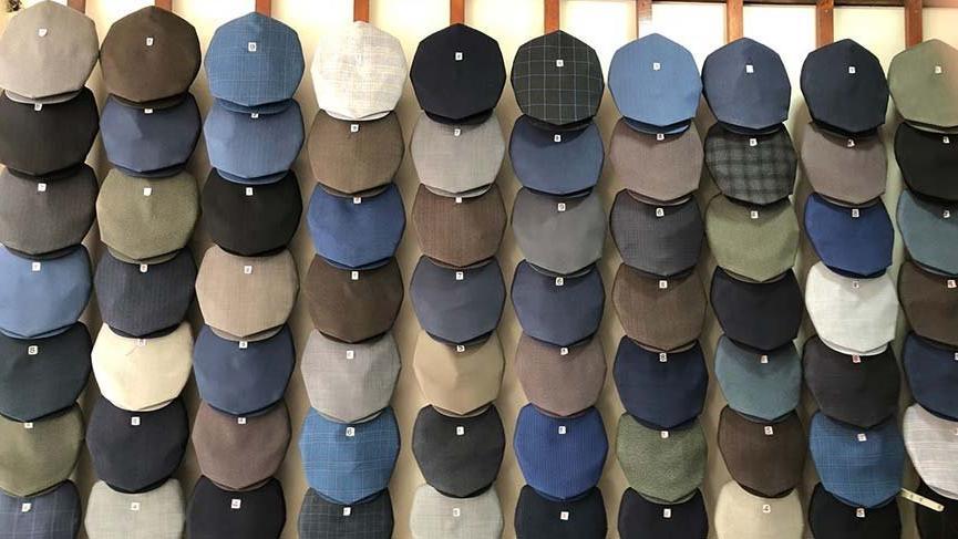 İnce'ye 100 adet köşeli şapka gönderdi