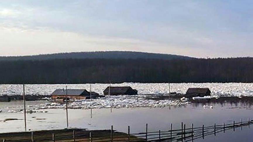 Rusya'da 289 ev sular altında kaldı