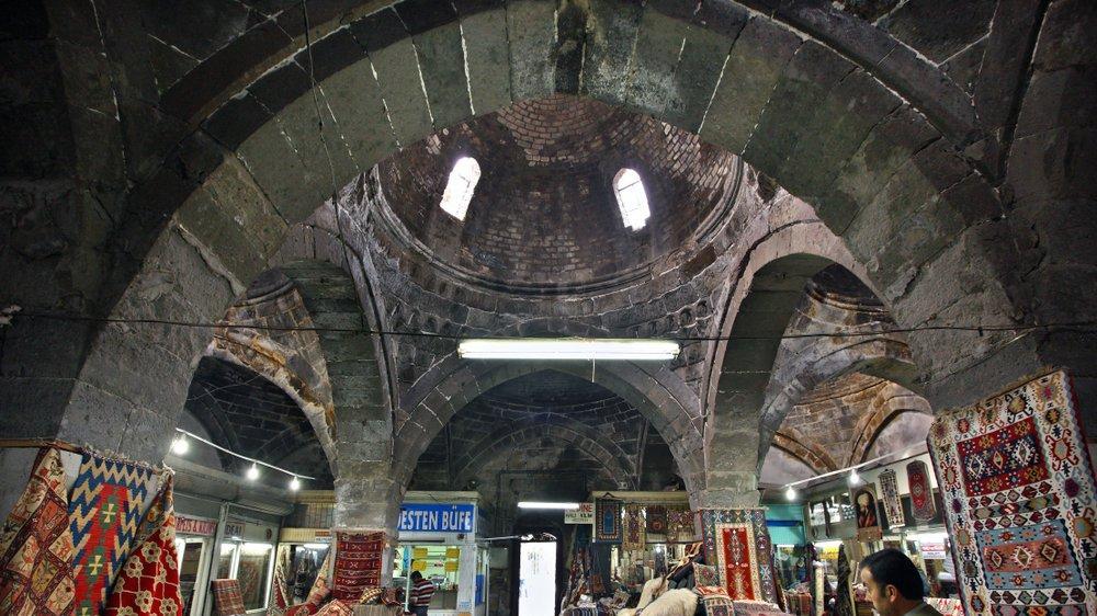 Kayseri gezilecek yerler: Tarihi MÖ. 6.000 yıllarına dayanan Kayseri'nin gezilecek, turistik yerleri...