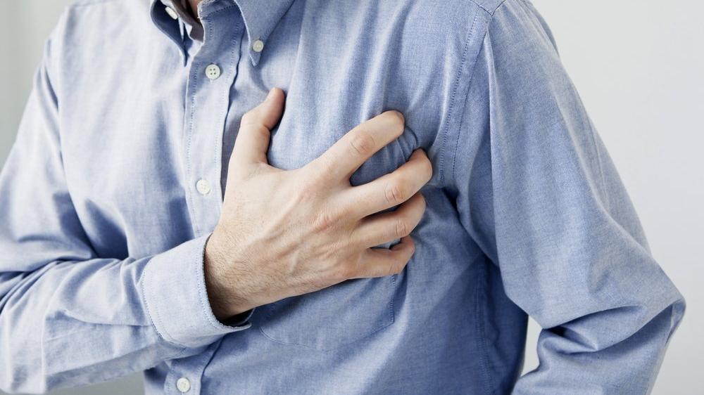 Ramazanda aşırı sigara tüketimi kalp krizini tetikliyor