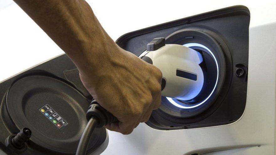 Dizel satışları düştü, elektrikliler arttı!