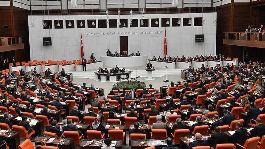 Bakanlar Kurulu'na KHK yetkisi veren tasarı Meclis'te kabul edildi