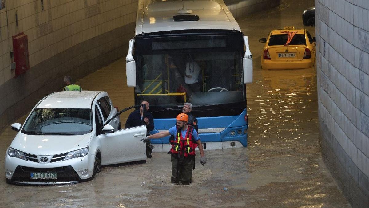 Sadece Türkiye de değil... Dünyayı korkutan fırtına ve sel felaketleri