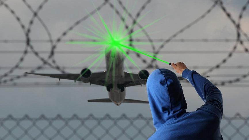 ABD'den Çin'e lazer ikazı