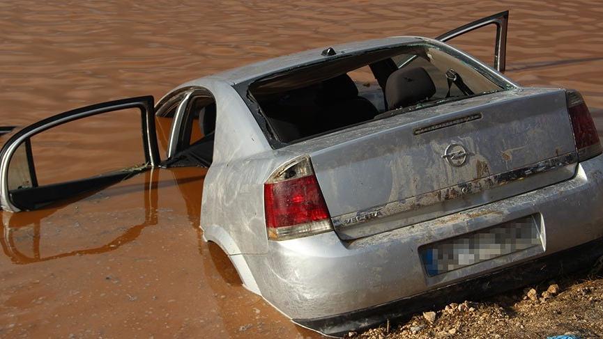 Şanlıurfa'da su birikintisine uçan araçta 4 kişi hayatını kaybetti