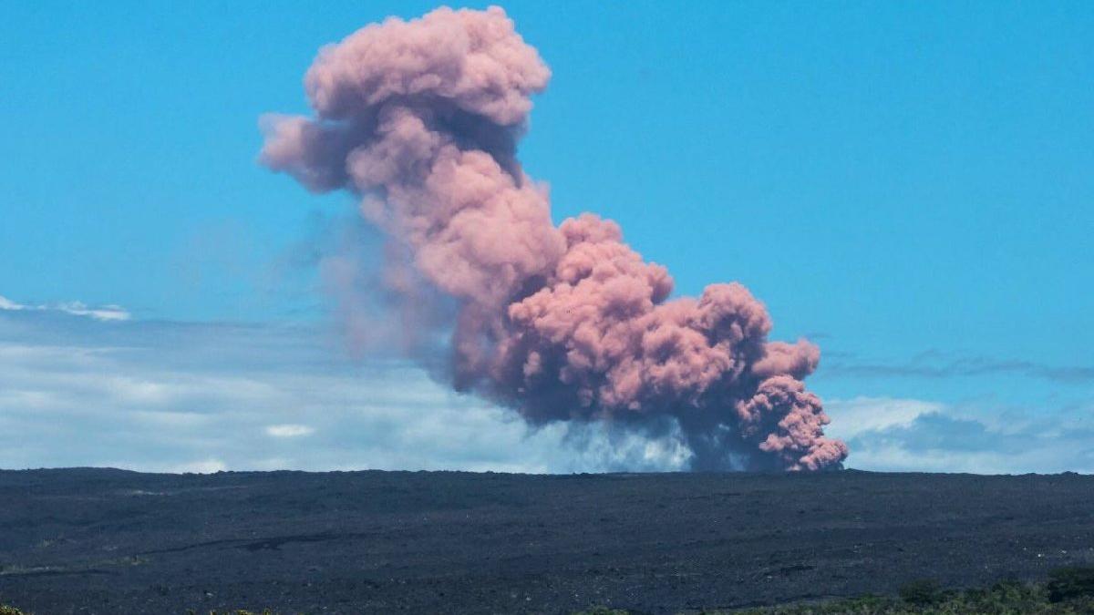 Hawaii'de yanardağ patladı: Binlerce insan tahliye edildi