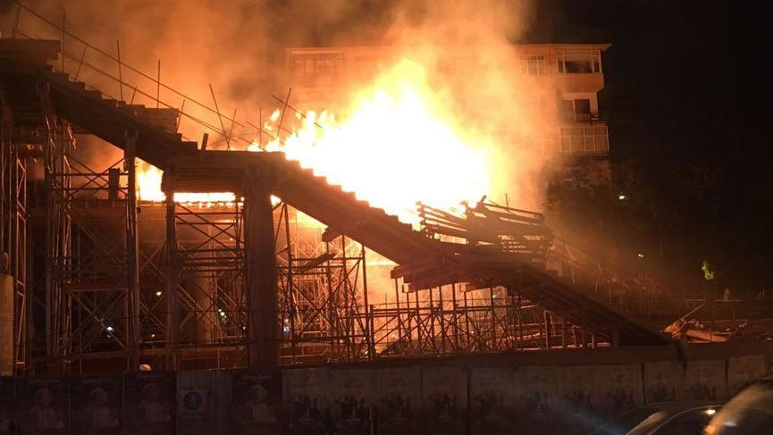 Bostancı Tren İstasyonu inşaatında yangın