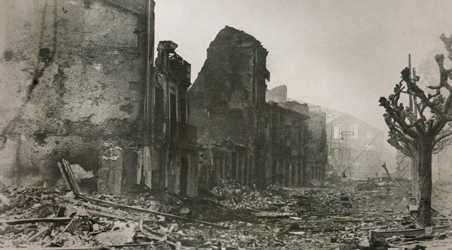 - 5 Ekim 1934 İspanya'da iç savaş başladı.